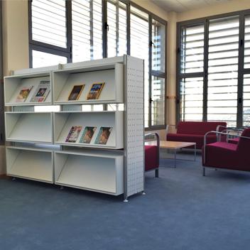 Biblioteca equipotres14 fabricantes de mobiliario de for Fabricantes de mobiliario de oficina