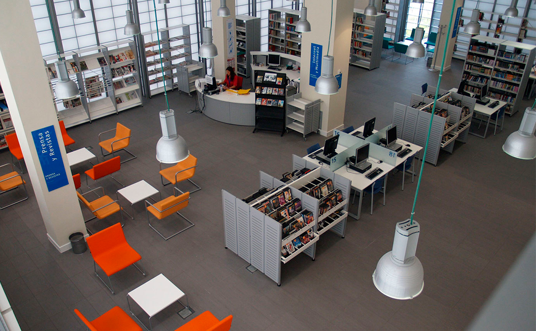 Bibliotecas inteligentes y funcionales equipotres14 for Fabricantes de mobiliario de oficina