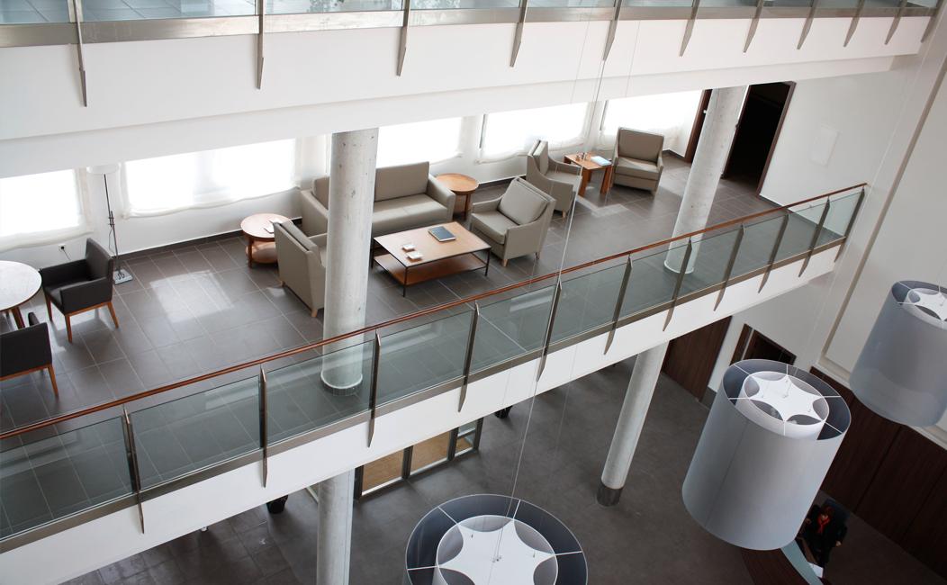 equipotres14 Mobiliario de oficina, mobiliario hotel, carpinteria, ebanisteria, diseño de mobiliario, muebles a medida y contract 5