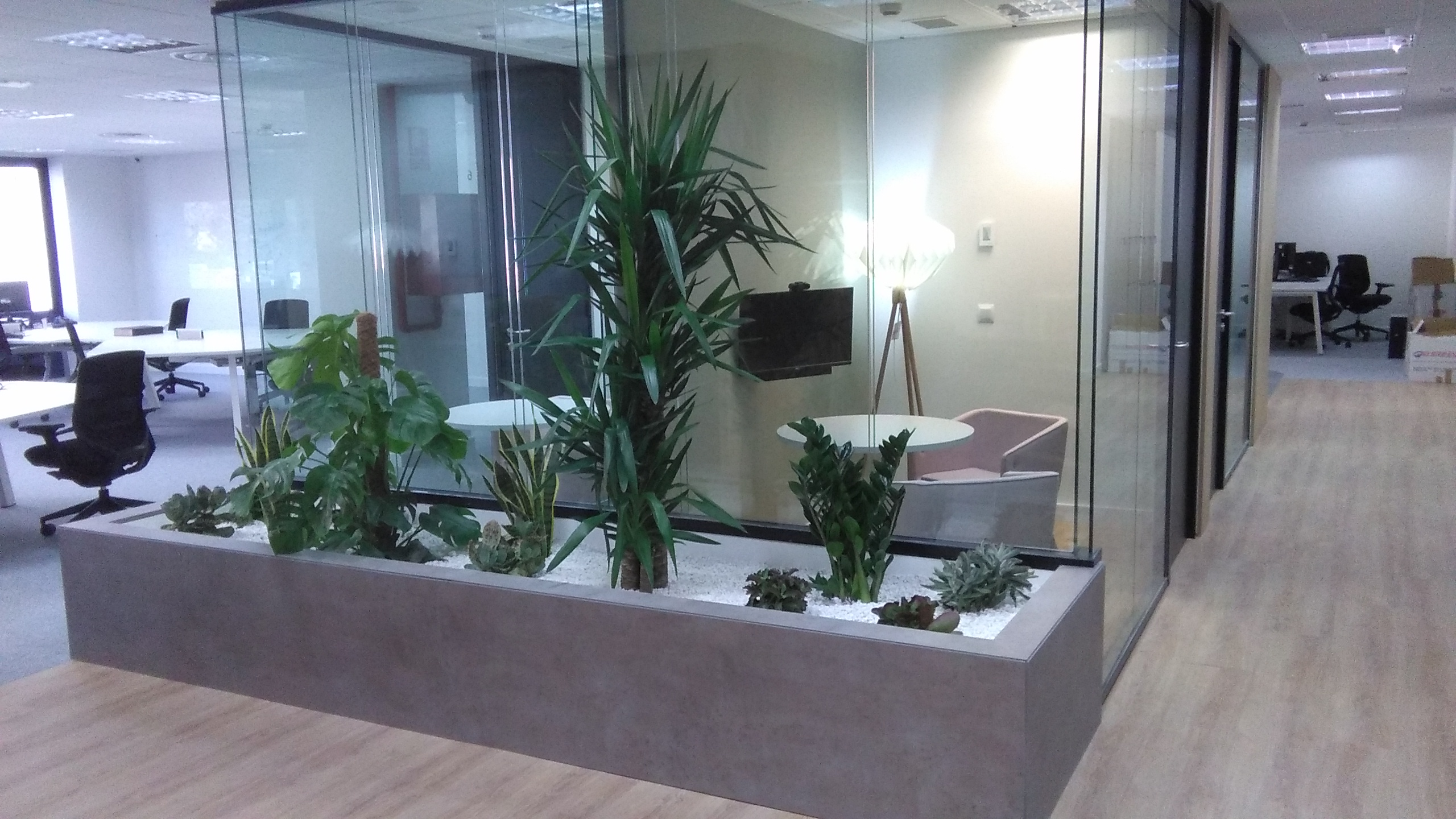 Oficinas modernas y funcionales nuevos dise os for Diseno de oficinas modernas en casa